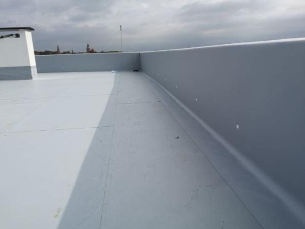 jak zaizolować dach płaski